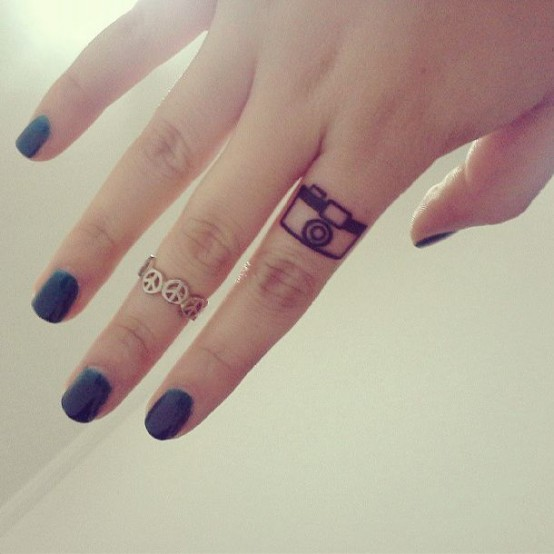 finger tattoo 3